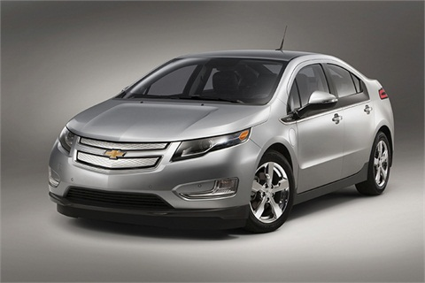 The e-REV 2014 Volt offers a fuel economy of 98 MPGe and 35 city/40 highway on gasoline power. The range-extending engine gives the Volt up to 380 miles of total driving range.
