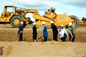 "<p><span style=""font-size: xx-small;"" mce_style=""font-size: xx-small;""><span lang=""EN""> <p dir=""ltr"" align=""left"">Three employees were selected to help break ground along with Eden Prairie Mayor Nancy Tyra-Lukens (left), Deb Frodl, chief strategy officer for GE Capital Fleet Services and global EV leader for GE (second from left),and Clarence Nunn, president and CEO of GE Capital Fleet Services (fourth from left). An architectual rendering (above) shows what fleet managers can expect of the experience center.</p> </span></span></p>"