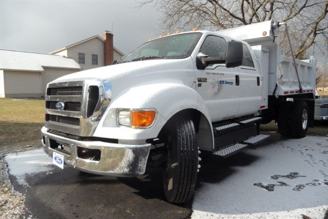 The F-650 offers the same cab choices as other Super Duty trucks. This one's long crew cab required a lengthy wheelbase, but the steering gear's tight wheel cut allowed great maneuverability.
