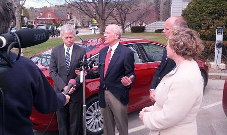 Rep. Peter Welch unveiled the new legislation at the Vermont Statehouse after arriving in a 2014 Ford Fusion Hybrid Energi. Photo courtesy of Rep. Welch.