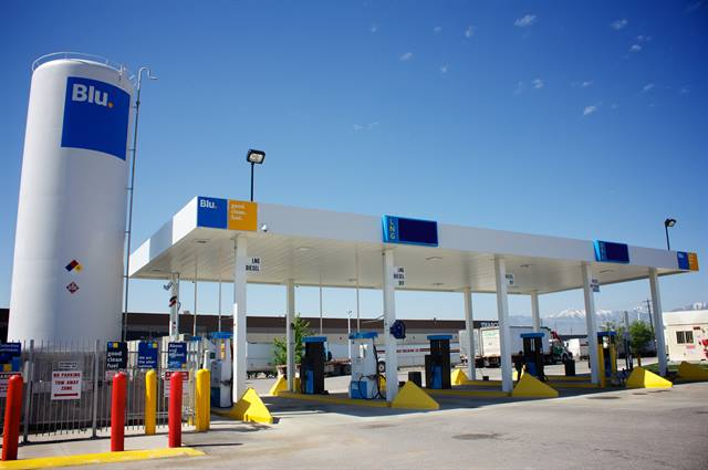 A Blu. station in Salt Lake City that is similar to those Interstate Distributor will use in the Pacific Northwest to refuel 10 new LNG trucks it is adding to its fleet. Photo: Blu.