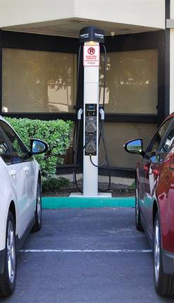 Car Charging Group will install EV charging stations made by Coulomb Technologies.