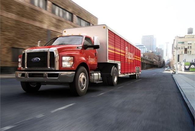 Photo of medium-duty 2016 beverage truck courtesy of Ford.
