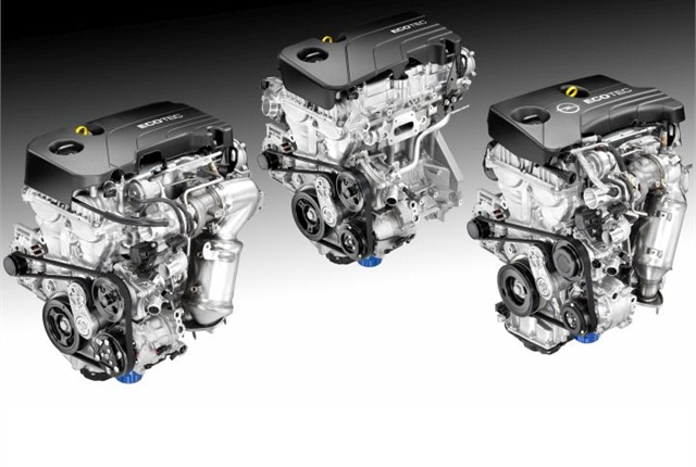 Photo of the 1.4L turbocharged EcoTec (left), 1.5L EcoTec (center), and 1.0L turbocharged three-cylinder EcoTec (right) courtesy of GM.