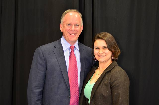 Tucker Perkins, chief business development officer of PERC, with award recipient Pamela Burns of the Dallas Fort Worth Clean Cities Coalition. Photo courtesy of PERC.