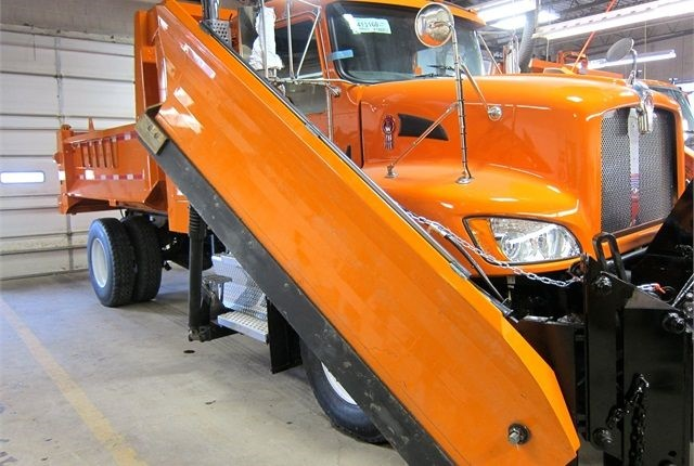 Dane County s compressed natural gas (CNG) snowplow. Photo courtesy of