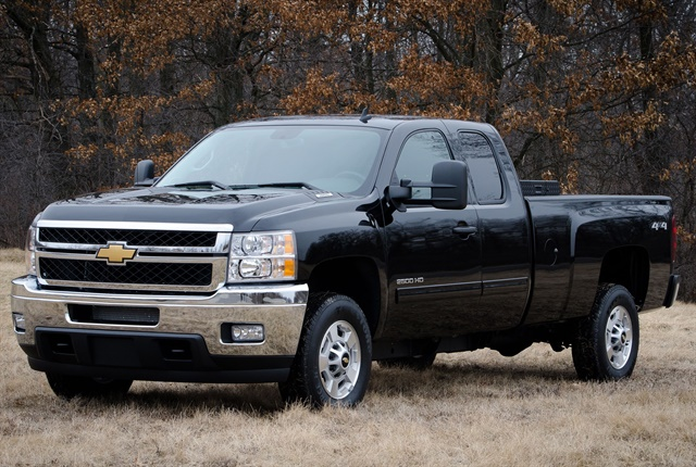 The 2013 bi-fuel Chevrolet Silverado HD includes a compressed natural gas (CNG) capable engine that seamlessly transitions between CNG and gas fuel systems. The bi-fuel Silverado HD will be covered
