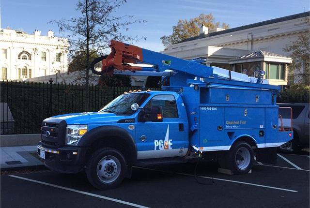 PG&E/Efficient Drivetrains Inc. Electric Hybrid bucket truck. (PHOTO: PG&E)