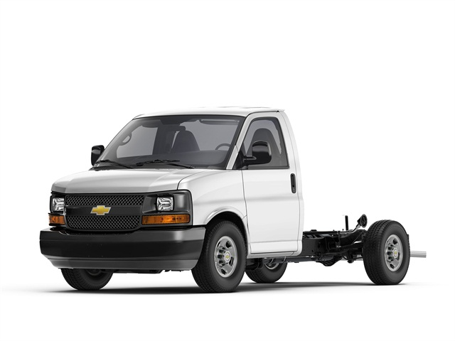 Photo of 2015 Chevrolet Express cutaway courtesy of GM.