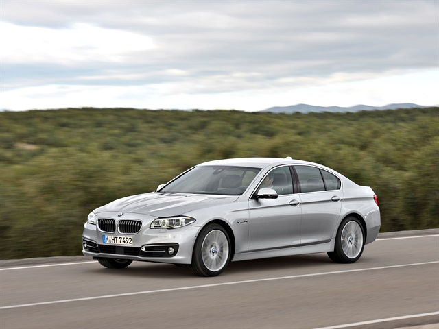 Photo of sixth-generation 528i courtesy of BMW.