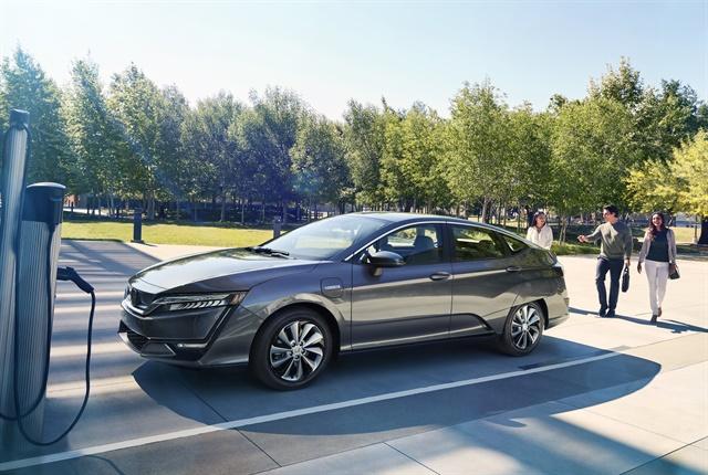 Photo of 2017 Clarity Electric courtesy of Honda.