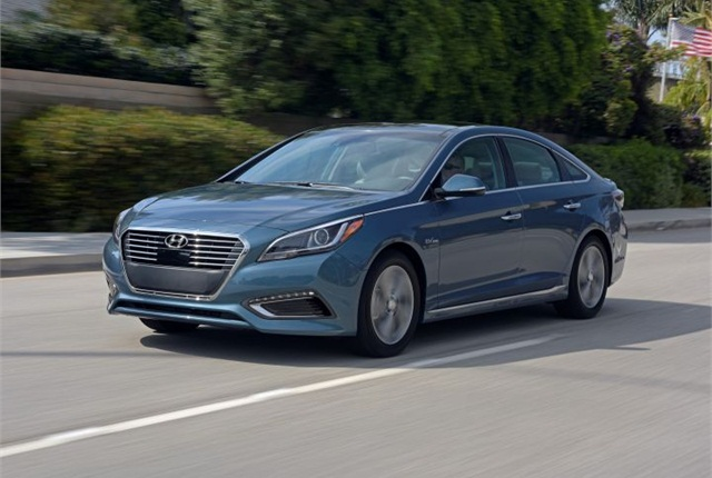 Photo of 2016 Sonata plug-in hybrid courtesy of Hyundai.