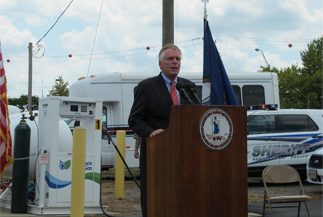 Photo of Gov. McAuliffe courtesy of Virginia Department of General Services