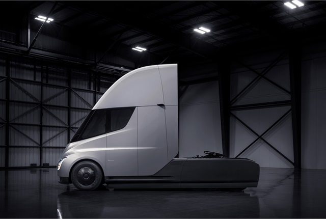 The unveiled truck  closely resembles the now-familiar blacked-out teaser photos Tesla released months ago. This includes a highly aggressive aerodynamic design dominated by a Corvette-like front end and a steeply sloped hood. Photo: Tesla