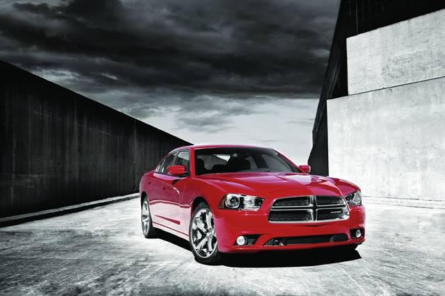 <p>The 2011 Charger is powered by the all-new 3.6L Pentastar V-6 engine, increasing fuel economy when compared to the previous, entry-level 2.7L V-6 engine.</p>